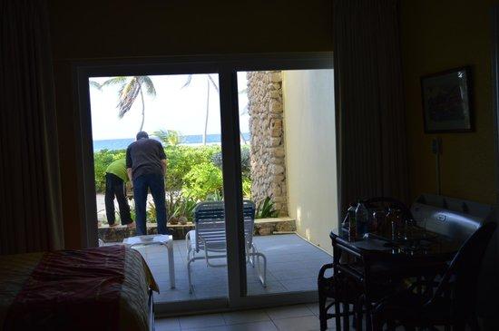 The Palms at Pelican Cove : checking out the patio for the first time
