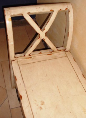 Casa Toscana Lodge : Distressed furniture