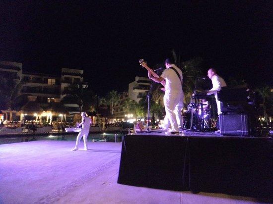 Dreams Riviera Cancun Resort & Spa: show con musica en vivo