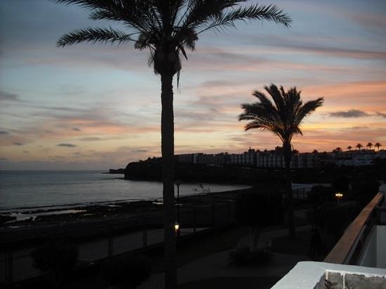 Sandos Papagayo Beach Resort: beautiful evening