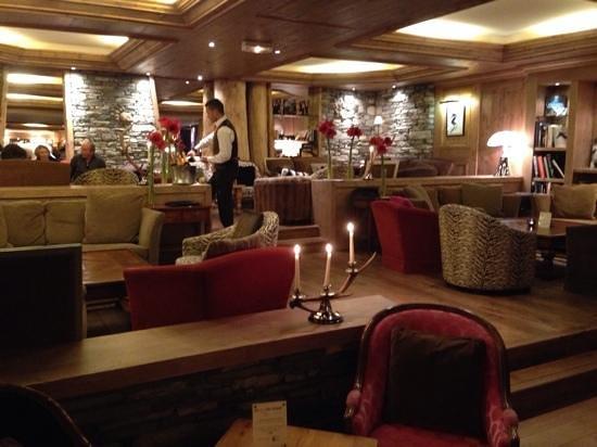 Hotel les Barmes de l'Ours : le bar