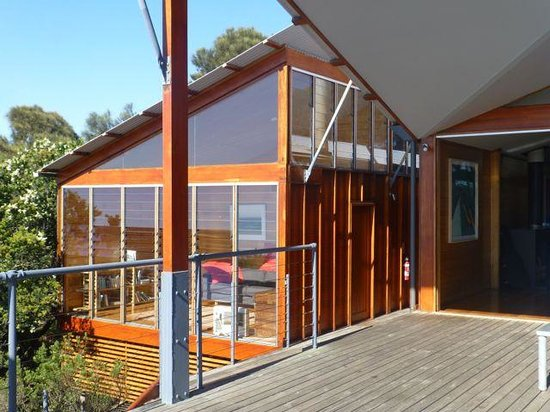 Bay of Fires Lodge: The Lodge from the front deck