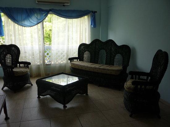 Hotel Jose Contreras: Sala en las habitaciones