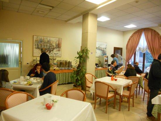 Antony Hotel : Desayuno