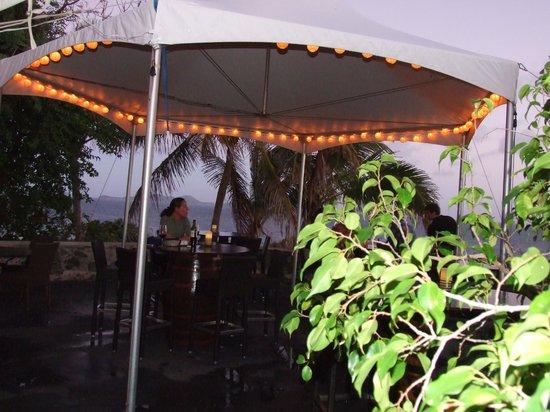 Brandywine Estate Restaurant: Outdoor seating for happy hour