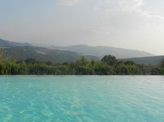 Il Defizio: View from the pool