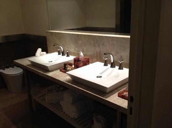 Hub Porteno : bath