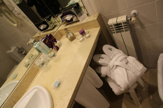 Parador de Teruel: baño