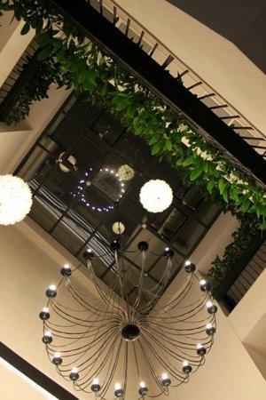 Hotel Residence Agnes : Foyer chandelier