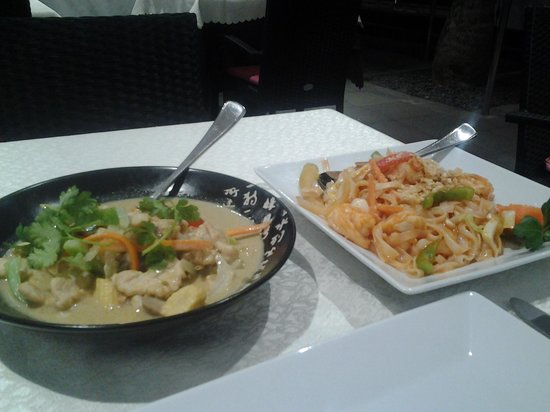 Sunshine: tagliolini thai e pollo con curry e latte di cocco