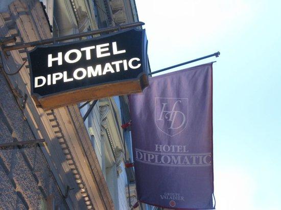 Hotel Diplomatic: Exterior