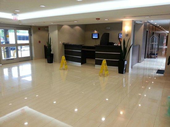 Ramada Miami Springs/Miami International Airport: AREA DEL RENT A CAR