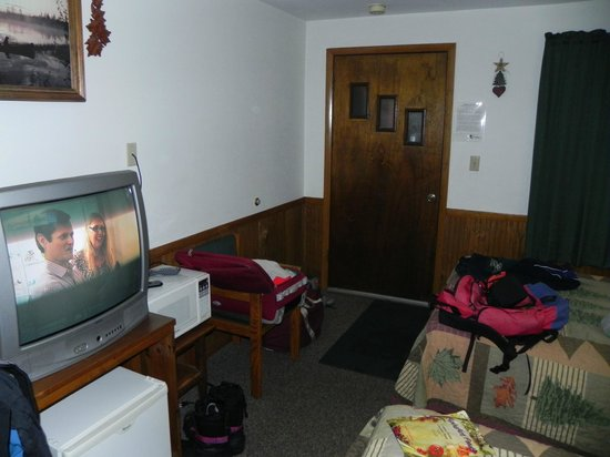 Skylark Motel: Cramped with sled gear