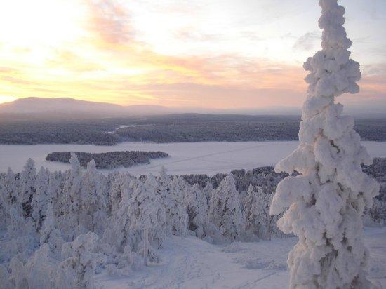 Lapland Hotel Hetta: Vue du haut de la colline