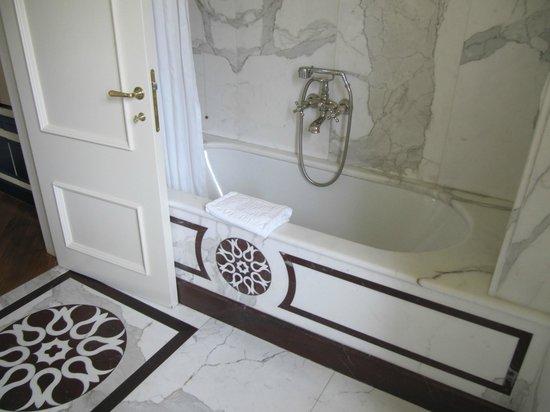 Santa Maria Novella Hotel: Bathroom