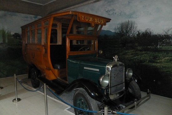 Exposicion de Automoviles Antiguos Jedimar