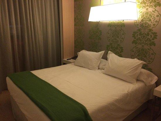 Double Tree Hilton  Hotel Girona: Cama