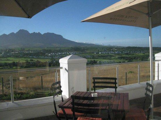 Protea Hotel by Marriott Stellenbosch: View from front verandah