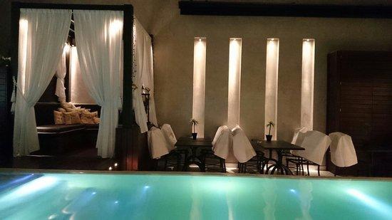 1828 Smart Hotel: Pileta