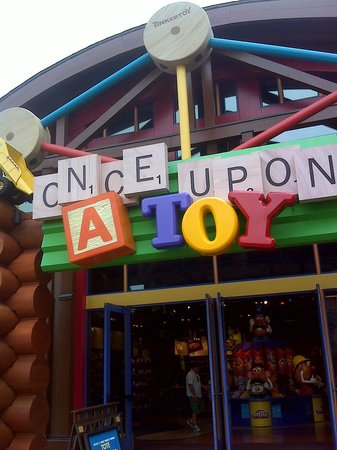 Disney Springs: Tinkertoys