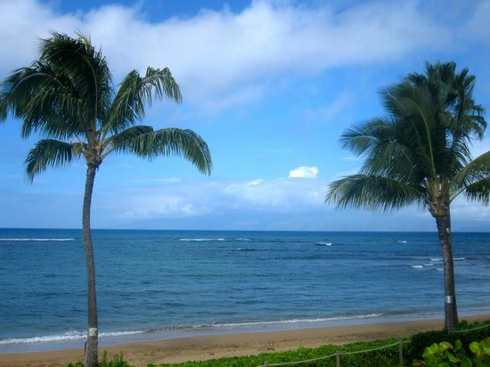 Kahana Village : The beautiful view from our lanai!