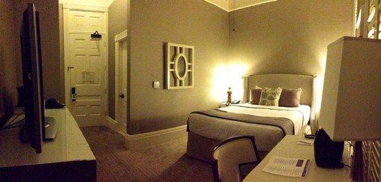 Hotel del Coronado: Cozy, clean and beautiful Victorian room
