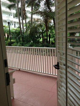 Hotel del Coronado: Door to Veranda