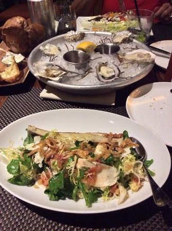 Trump International Hotel Waikiki: Oysters and Bone Marrow salad for appetizers in BLT. Excellent!