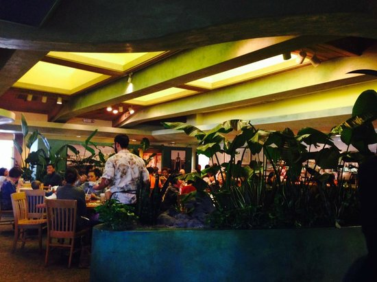 Kings Hawaiian Bakery & Restaurant: Full House-Restaurant