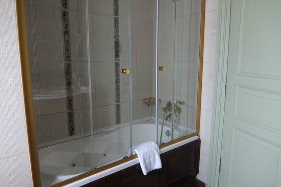 Bosphorus Palace Hotel : Bathroom