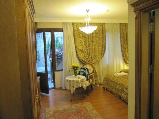 Senatus Suites : How grand & spacious