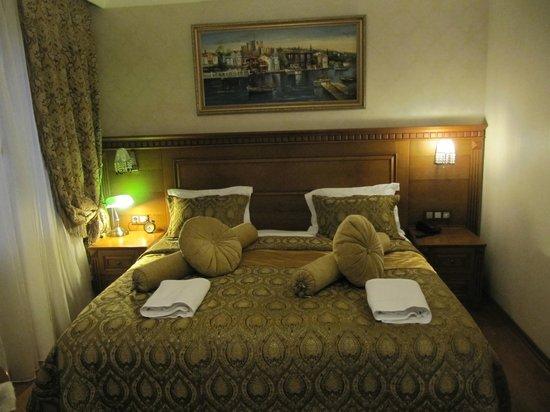 Senatus Suites : Beautiful comfy bed