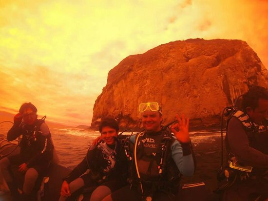 Galapa Diving - Yacht Nautilus Private Tours: Just before immersion with my best friend