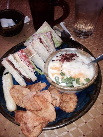 The Pottery House Cafe and Grille: Loaded baked potato soup and half club