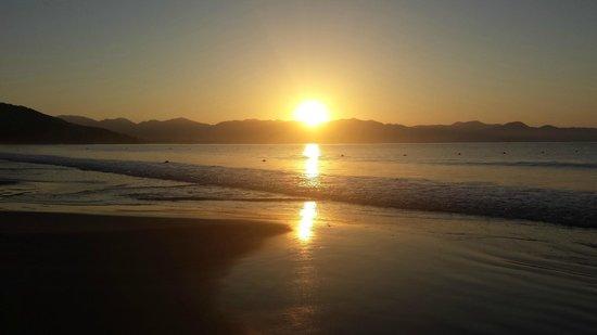Los Angeles Locos: Some beautiful, serene sunrises...