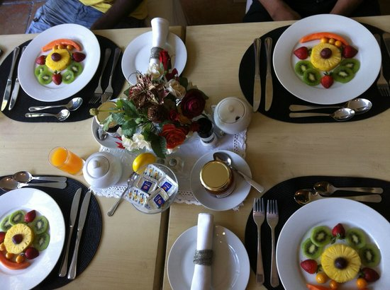 Riversong Guest House: Breakfast