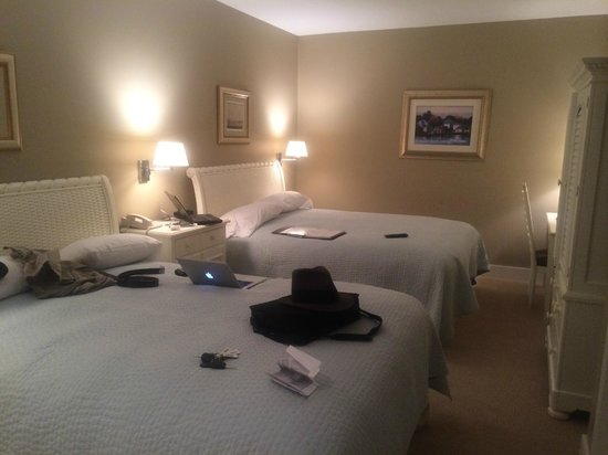 Bay Harbor Village Hotel & Conference Center: Nice, comfortable room