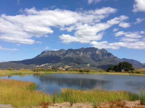 Eagles Nest Retreat : View of Mount Roland