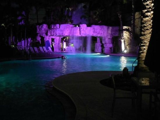 Hyatt Regency Sarasota: Pool at night, the spa was great!