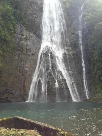 Island Helicopters Kauai: Jurassic Falls waterfall