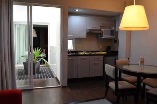 Ganges Suites: Kitchen