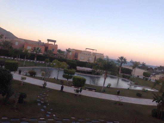 Movenpick Resort El Sokhna: Middle lake