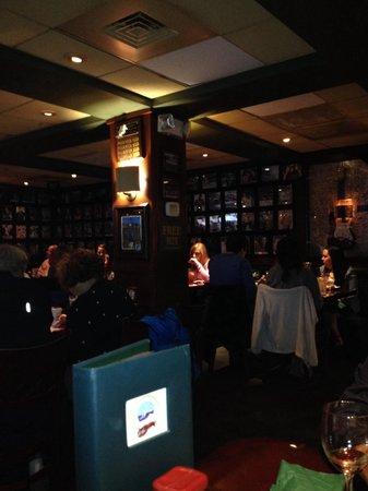 Celebration Town Tavern: Ambiente bacana. Só tem americanos.