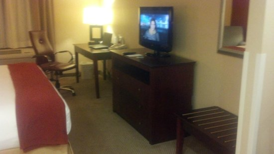 Holiday Inn Express Hotel & Suites Los Angeles Airport Hawthorne: nice furnitures