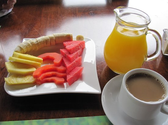 Hotel El Silencio del Campo: Before breakfast arrives