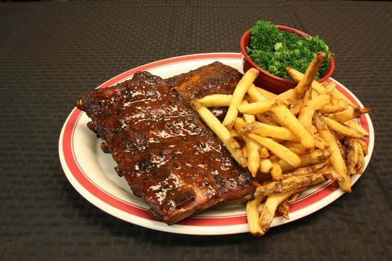 The Grille Restaurant: Smoked Ribs