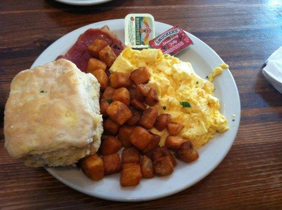 Toast Restaurant: Breakfast