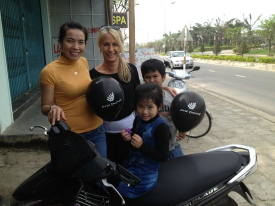Golden Lotus: Linh and I with her children, happy with their New Zealand balloons