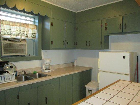 Tchefuncte Campground : Cabin Rental Kitchen