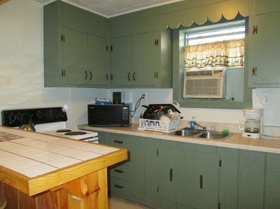 Tchefuncte Campground : Rental Cabin Kitchen